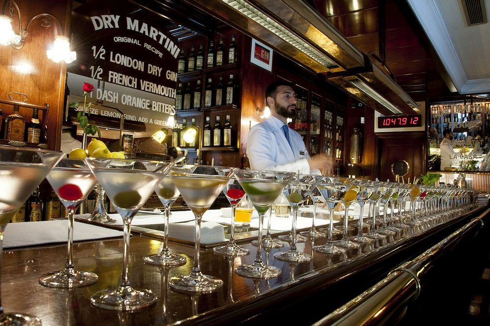 full-bar-cocktails